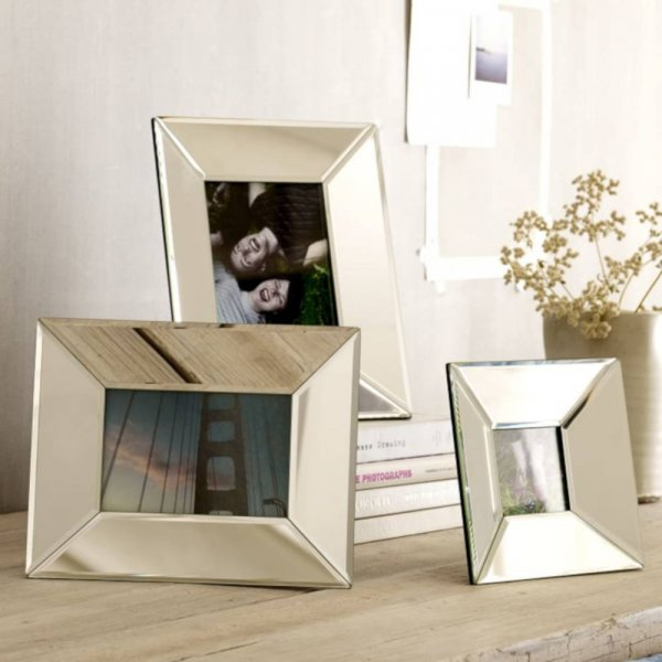 VILA Photo Frame
